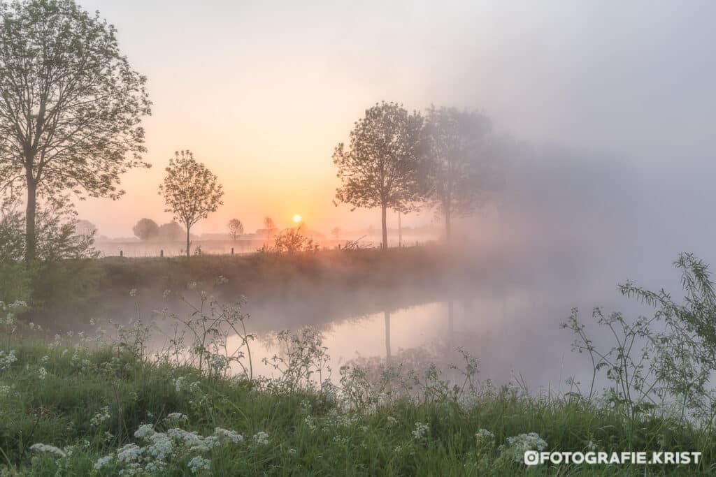 zonsopkomst boven de velden in Wevelgem