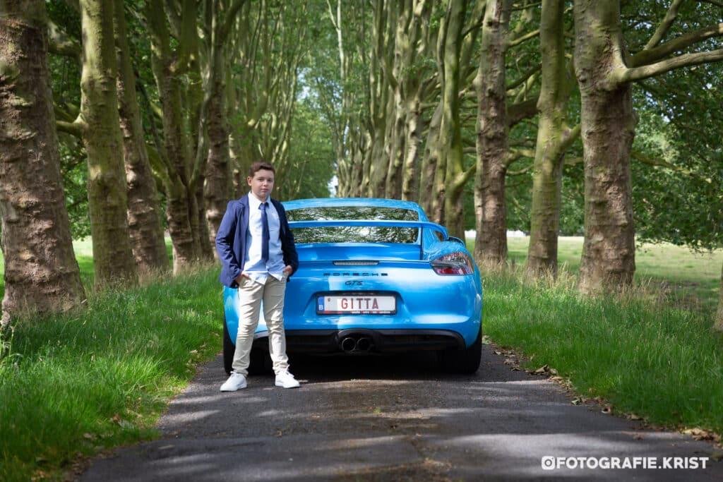Communiesessie Maxim met Porsche door FotografieKrist-Menen (1)