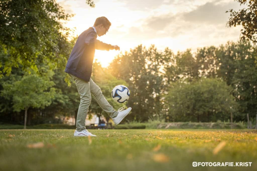 Fotoshoot met Thybo thema Voetbal in het SergeBerten park te Menen-FotografieKrist (2)